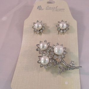 Silver Tone set of Pierced Earring and Brooch NEW